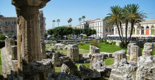 how to get to noto from siracusa